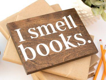 i smell books side